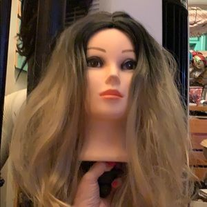 New full wavy blonde Wig with black crown ombré